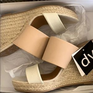f3bfb37eb3c 🆕 Dolce Vita Adelina Two Band Wedge Espadrille NWT